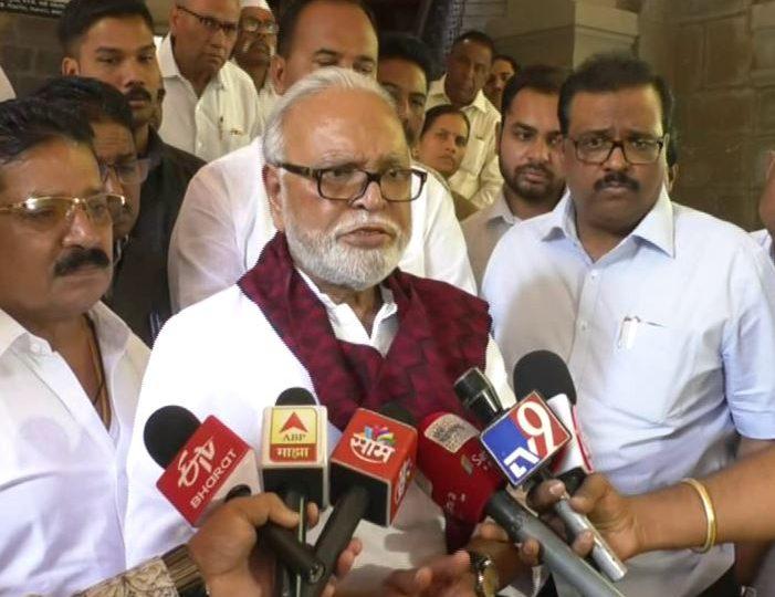 Food and Civil Supplies Minister Chhagan Bhujbal, वकील आणि कोर्ट म्हटलं की मला हुडहुडी भरते : छगन भुजबळ