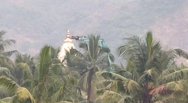 , एक हजार पोलिसांच्या बंदोबस्तात नवी मुंबईतील बावखळेश्वर मंदिर जमीनदोस्त