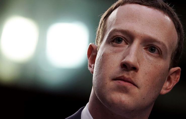 , फेसबुकचं अध्यक्षपद सोडण्यासाठी मार्क झुकरबर्गवर दबाव?