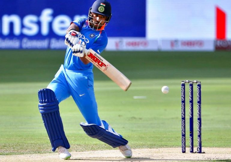 Shikhar Dhawan has been ruled out of CWC19 for three weeks after suffering thumb injury during the game against Australia., Shikhar Dhawan : भारताला झटका, शिखर धवन 3 आठवड्यांसाठी विश्वचषकातून बाहेर