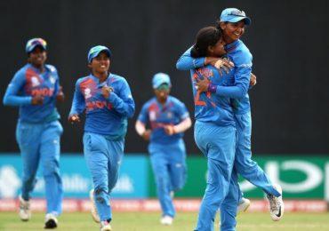 """भारतीय महिला संघाचा विजयी """"चौकार"""""""