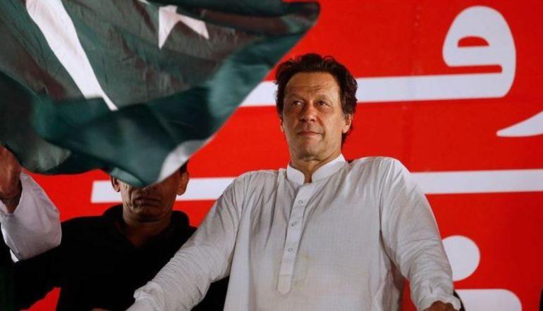 pakistan, पाकिस्तानच्या रुपयाची ऐतिहासिक घसरण, आर्थिक संकटं वाढली!