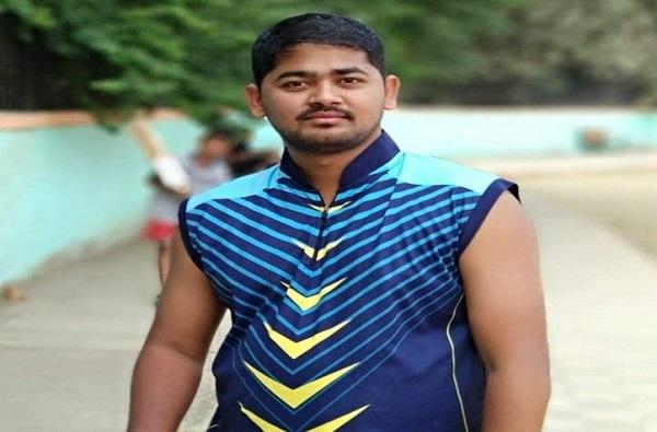 , क्रिकेट खेळताना 24 वर्षीय फलंदाजाचा मृत्यू