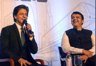 mumbai 2.0 project, मुख्यमंत्री माझ्या मेसेजला पहाटे तीन वाजताही रिप्लाय देतात : शाहरुख