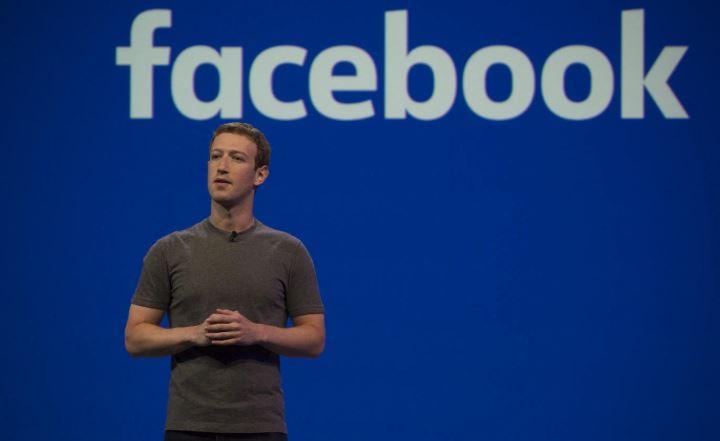 फेक अकाऊंट ओळखण्यासाठी फेसबुक करणार पत्रकारांची भरती