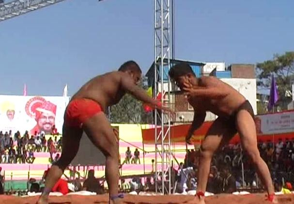 , जालन्यात 'महाराष्ट्र केसरी'चा थरार, गतविजेता अभिजित कटकेच्या लढतीकडे लक्ष
