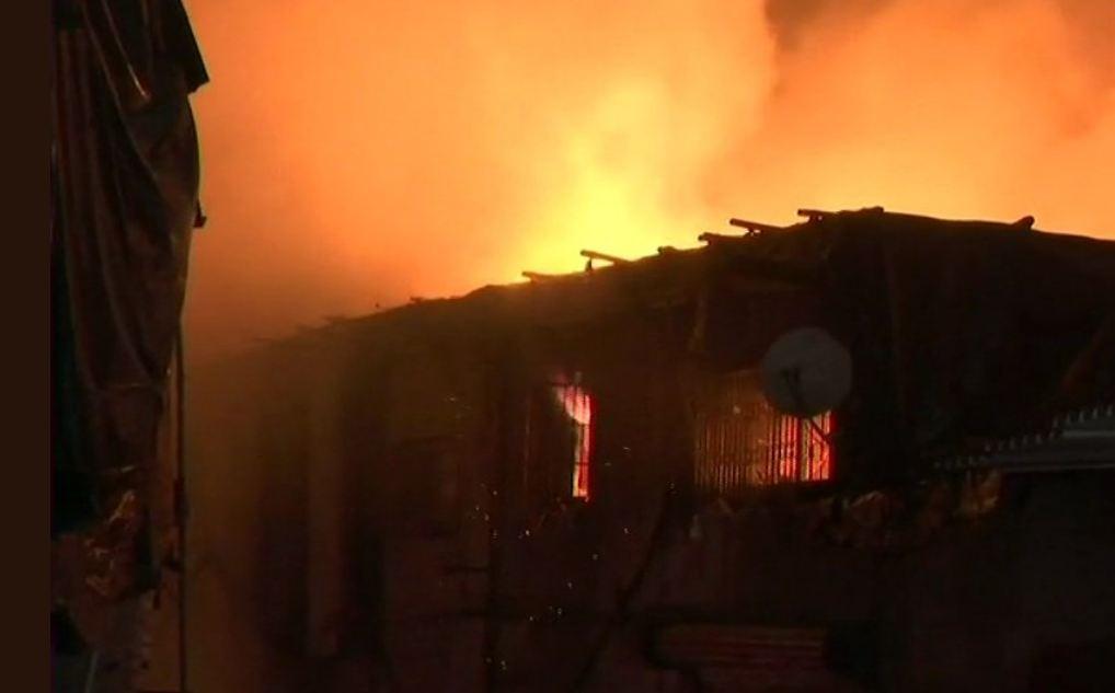 , मुंबईत मध्यरात्री अग्नितांडव, 30-35 गोदामं जळून खाक