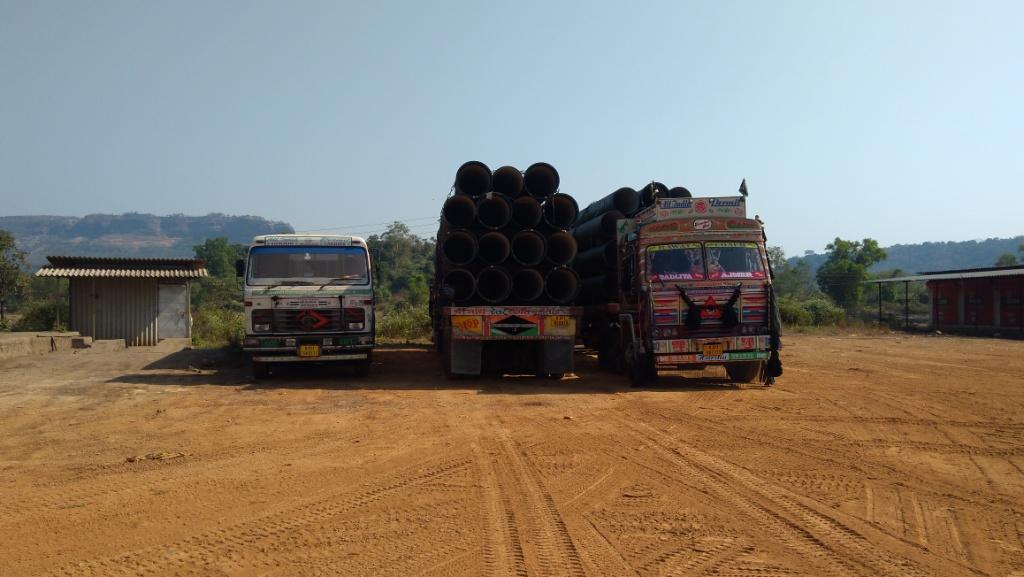 , मुंबई-गोवा महामार्गावर अवजड वाहनांना बंदी, तरीही वाहतूक कोंडी
