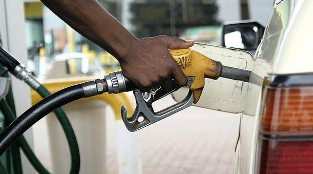 मोदी सरकारचा दुसरा झटका, पेट्रोल-डिझेल महागलं, तुमच्या जिल्ह्यातील दर किती?