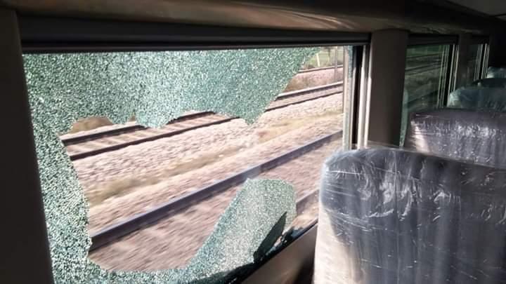 विकृती! देशातल्या सर्वात वेगवान ट्रेनवर दगड फेकले