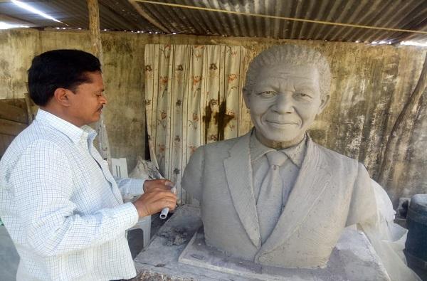 गांधी-मंडेलांचे पुतळे तयार, वर्ध्याहून थेट आफ्रिकेत नेणार