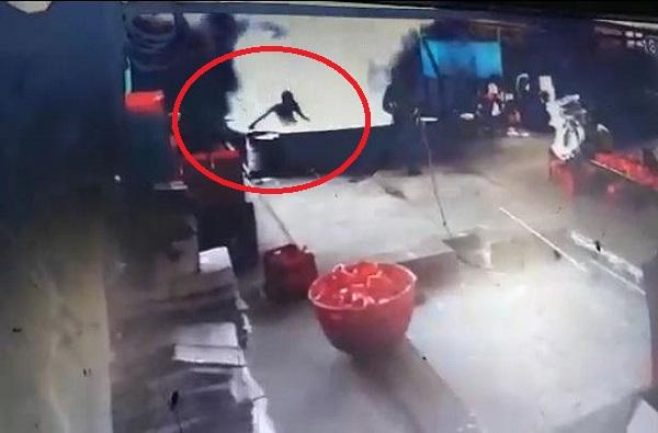 , गुऱ्हाळातील उकळत्या काहिलीत उडी, मजुराचा आत्महत्येचा प्रयत्न