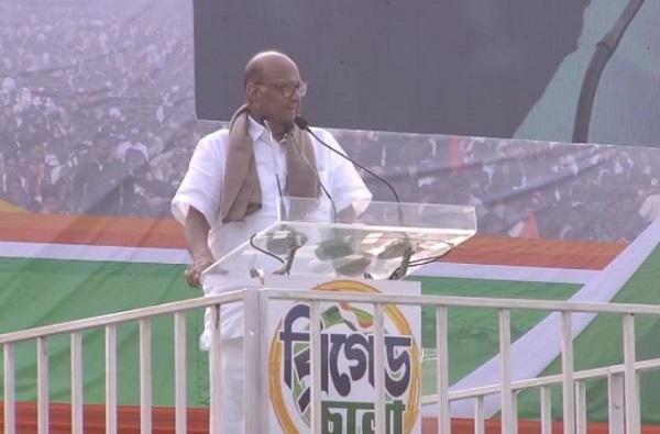 भाषण संपवण्याची सवय, जय हिंद जय महाराष्ट्र, मात्र कोलकात्यात पवार म्हणाले.....