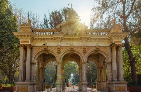 राणीच्या बागेत 50 रुपयांत 'जंगल सफारी'ची मजा