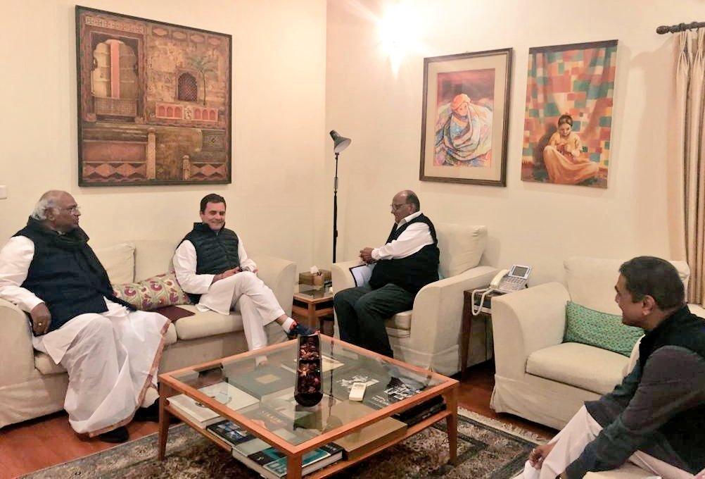 lok sabha, काँग्रेस-राष्ट्रवादीच्या हालचाली वाढल्या, दिल्लीत बैठकांवर बैठका