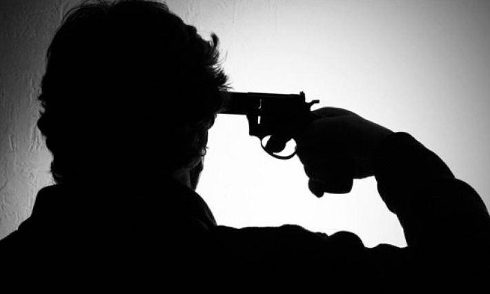 मुंबईत बिल्डरची गोळ्या झाडून आत्महत्या