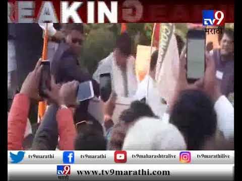 लखनौ : राहुल-प्रियांका गांधींच्या रोड शोमध्ये 'चौकीदार चोर है'चे नारे