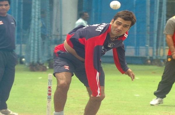 टीम इंडियाच्या माजी खेळाडूला भर मैदानात हॉकी स्टिकने मारहाण