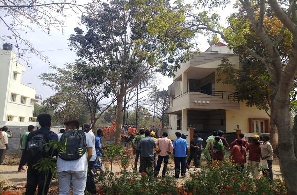 Today News in Bengaluru, सूर्यकिरण क्रॅश, दोन विमानांची हवेत धडक