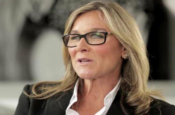 Angela Ahrendts अॅपल कंपनीतील 1.73 अब्ज पगाराची नोकरी सोडणार, कारण...