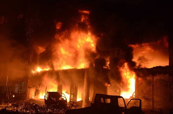 बांगलादेशात आधी स्फोट, नंतर आग, 56 जणांचा होरपळून जागीच मृत्यू