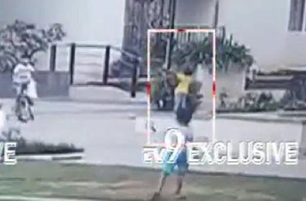 Hyderabad News, खेळता-खेळता मुलगा खांबाला चिकटला, मृत्यू झालेलं बाजूच्यांना कळलंही नाही