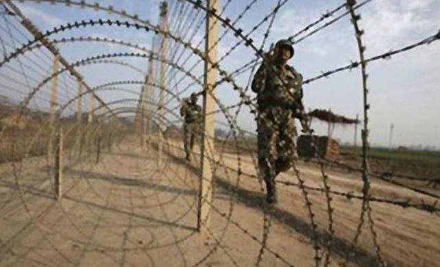 pulwama attack, भारत-पाक सीमेवर युद्धाचे ढग, दोन्ही देशांकडून हालचाली वाढल्या!