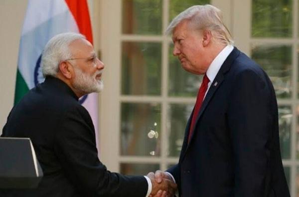 पंतप्रधान मोदी आणि डोनाल्ड ट्रम्प यांचं फोनवर संभाषण, पाकिस्तान निशाण्यावर