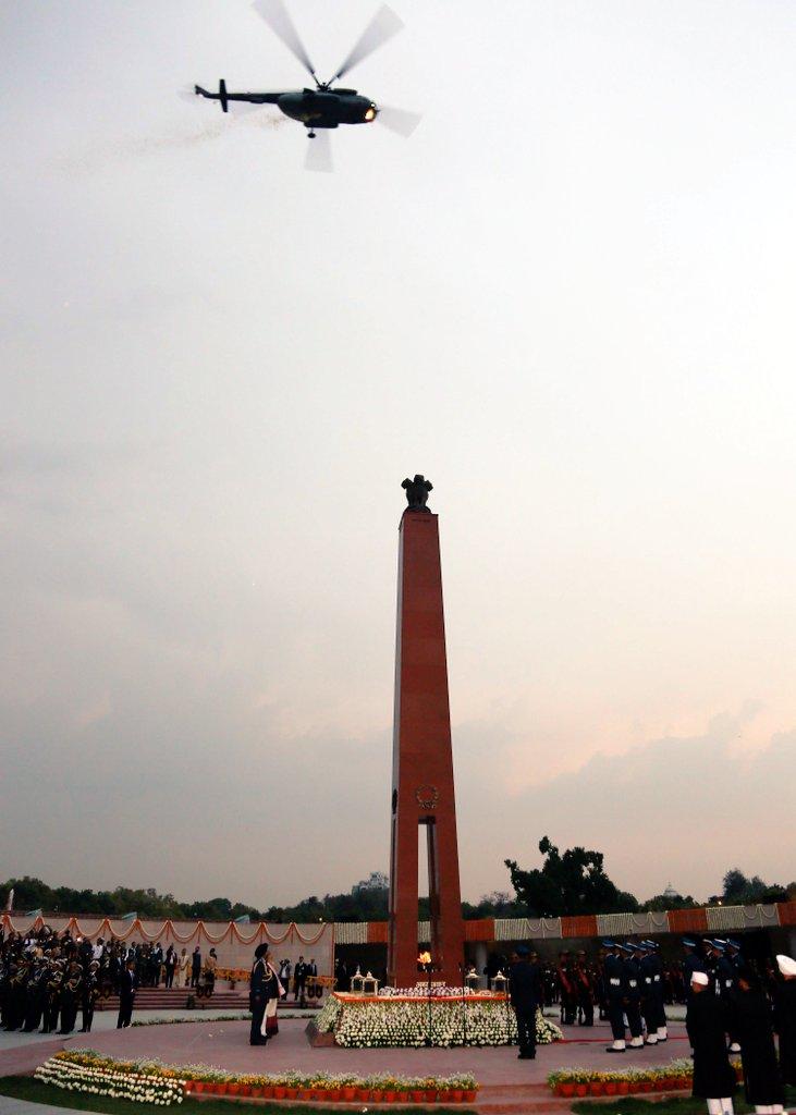 , पंतप्रधान मोदींच्या हस्ते राष्ट्रीय युद्ध स्मारकाचं लोकार्पण