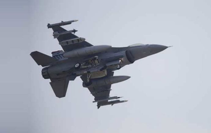 , भारताने पाकिस्तानचं F-16 विमान पाडलं, तर दोन्ही देशांच्या वायूसेनेत संघर्ष सुरु