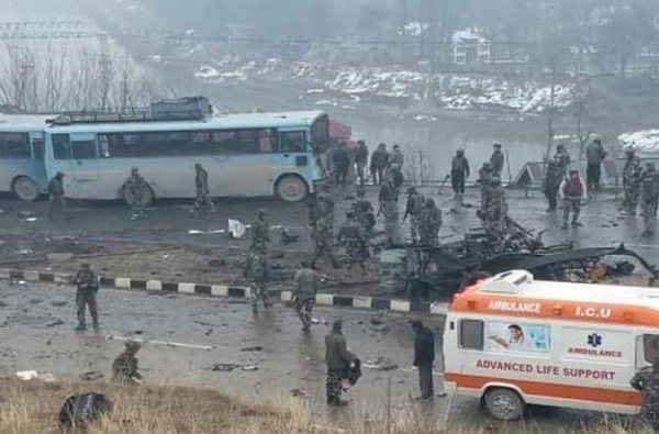 Pulwama Attack : हल्ला झालेल्या बसमधील जवानांच्या नावाची यादी