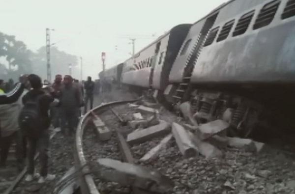 बिहारमध्ये रेल्वे अपघात, 6 प्रवाशांचा मृत्यू, 12 जखमी