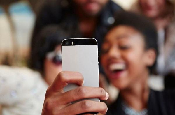 पर्सनल फोटो चोरणारे 'हे' अॅप मोबाईलमधून तात्काळ डिलीट करा