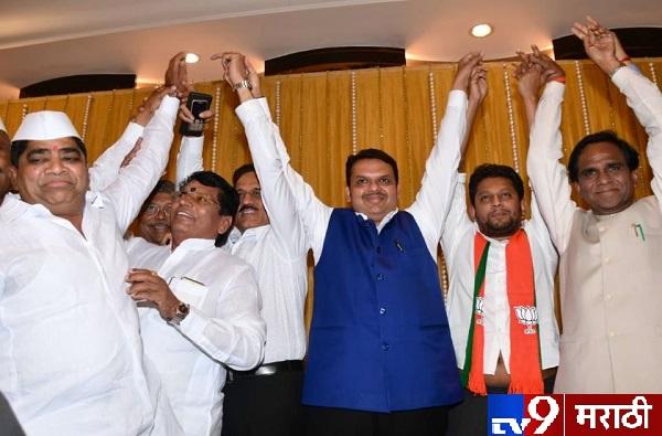 , सुजय विखे पाटील यांचं बंड वाया जाणार नाही: मुख्यमंत्री