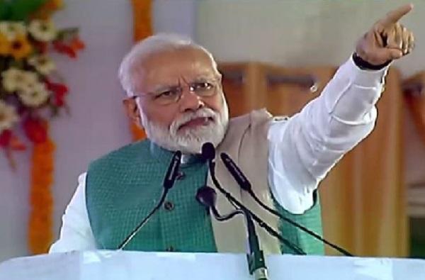 .... म्हणून मोदींनी राजीव गांधी आणि INS विराटचा मुद्दा प्रचारात आणला?