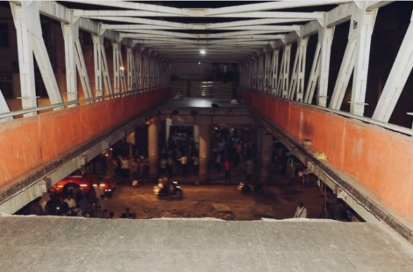 मुंबई पूल दुर्घटना: बेल्टवाला जाहीद, नर्स रंजना, भक्ती आणि अपूर्वाचा दोष काय होता?