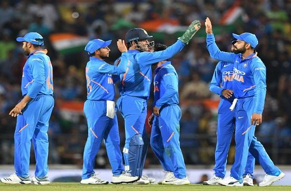 भारताचा ऑस्ट्रेलियावर आठ धावांनी विजय, विजय शंकरची अष्टपैलू कामगिरी
