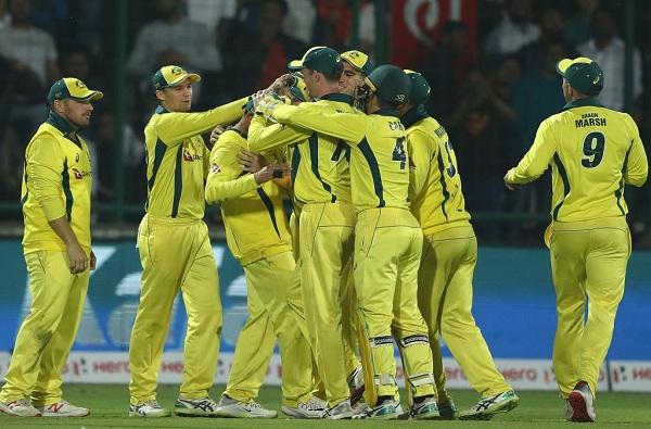 वन डे मालिकेत मायदेशात ऑस्ट्रेलियाकडून भारताचा दहा वर्षांनंतर पहिल्यांदाच पराभव