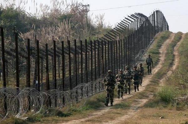 काश्मीरमध्ये अतिरेकी हल्ला, महाराष्ट्राचा सुपुत्र शहीद; तीन जवानांना वीरमरण