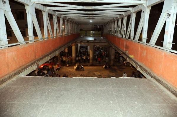 सीएसएमटी पूल दुर्घटनेप्रकरणी स्ट्रक्चरल ऑडिटर नीरज देसाईला अटक