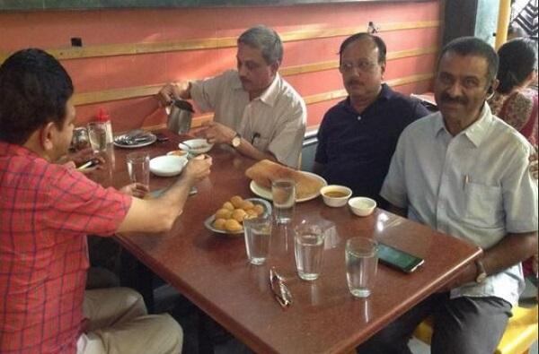 Manohar Parrikar, स्कूटरवरुन प्रवास, टपरीवर चहा, पर्रिकरांबद्दल अभिमानास्पद गोष्टी