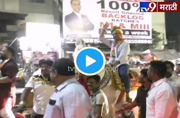 parth pawar, VIDEO : रिक्षा, रेल्वे, बैलगाडीनंतर पार्थ पवार आता घोड्यावर
