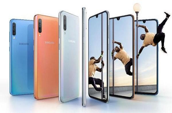 मोबाईल घेताय? Samsung Galaxy A70 चे फीचर्स पाहा!