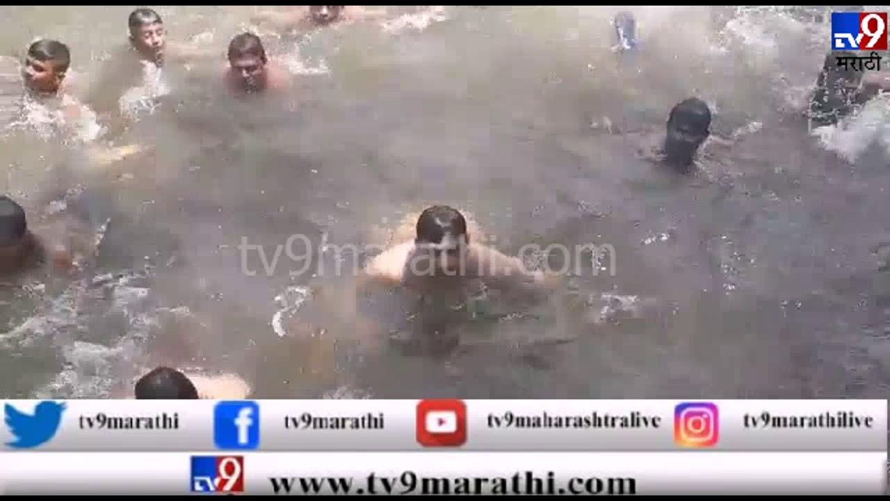 , VIDEO: वाटेत नदी लागली, ताफा थांबवून संभाजीराजेंचा नदीत सूर