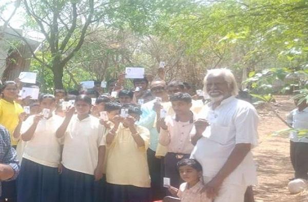 अमरावतीत एका बापाच्या 48 मुलांचं मतदान!