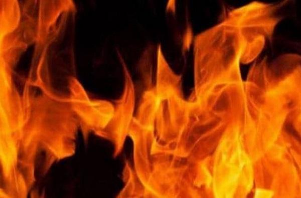 fire pune, पुण्यात साड्यांच्या दुकानाला भीषण आग, 5 कामगारांचा होरपळून मृत्यू