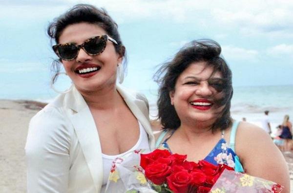 Madhu Chopra Supports BJP, प्रियांकाची आई भाजप समर्थक? सोशल मीडियावर फोटो व्हायरल