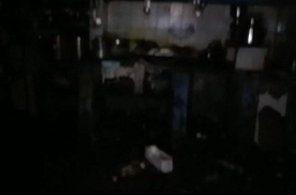 पुण्यात मध्यरात्री पाईपलाईन फुटून घरात पाणी शिरलं, नागरिक भयभीत