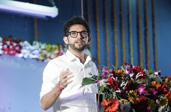 Aditya Thackeray, राष्ट्रवादी हा भ्रष्टवादी पक्ष, त्यांनी लोकांचे बारा वाजवले : आदित्य ठाकरे