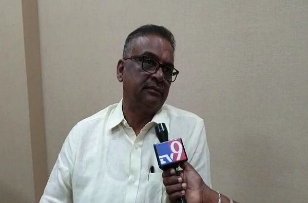 Thackeray Govt slams Shripad Chhindam, छत्रपती शिवरायांचा अवमान भोवला, श्रीपाद छिंदमला ठाकरे सरकारचा दणका